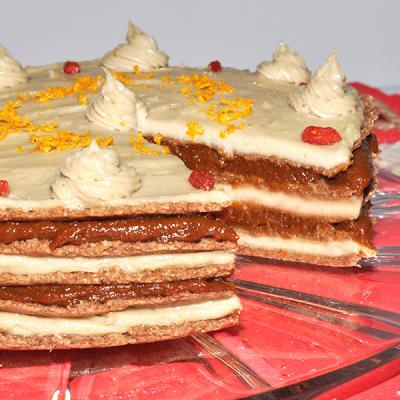 Aprikosen-Schicht-Torte
