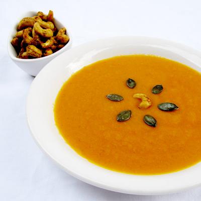 Kürbissuppe mit indischen Cashews