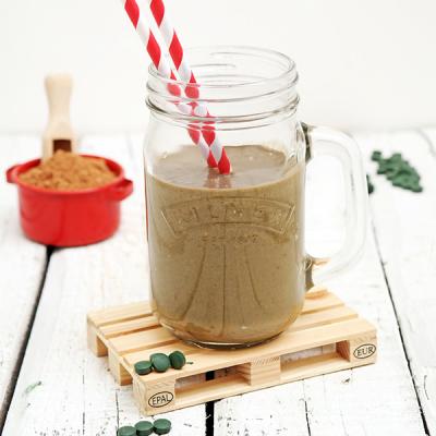 Protein Drink mit Kakao, Spirulina und Mandeln